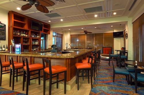 search for rooms - Hilton Garden Inn Seaworld